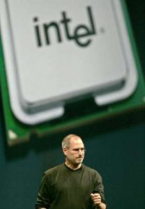 An Image of Apple presents the PowerPC to Intel Transition.